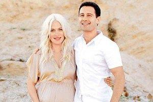 Макарские отправляются на гастроли с новорожденной дочкой