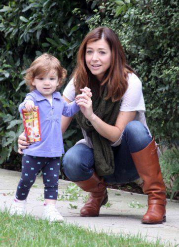 Маленькая дочь актрисы