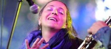 Катамадзе устроила бесплатный концерт на Майдане