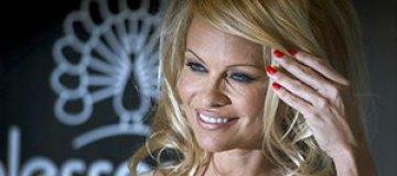 Памела Андерсон разводится с мужем из-за сексуальных проблем