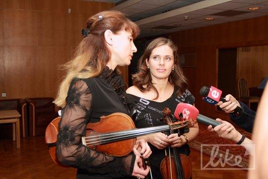 Скрипачки оркестра