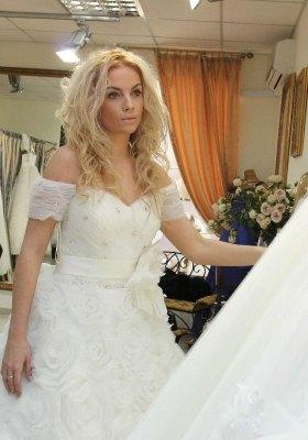Маша Гойя в свадебном платье