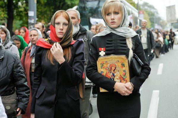 Алена Березовская приняла участие в крестном ходе