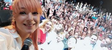 Тарабарова дала первый концерт спустя две недели после родов