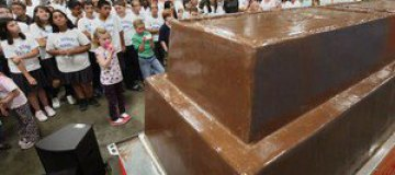 В Чикаго создали самую большую в мире шоколадку