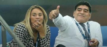 Марадона сделал предложение 28-летней модели, которую обвинял в краже
