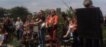 Гребенщиков спел для киевлян на Пейзажной Аллее