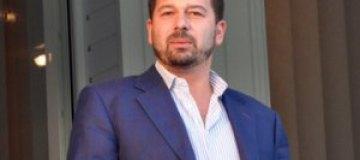 """Глава бюджетного комитета ВР на заседании играл в """"ферму"""""""