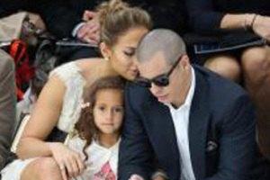 Дженнифер Лопес хочет сделать своих детей звездами