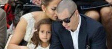 Четырехлетняя дочь Дженнифер Лопес носит сумочку за $2 тыс.