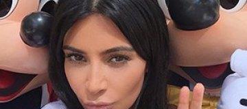 Ким Кардашьян снялась голая в мехах и латексе