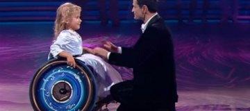Ахтем Сейтаблаев растрогал бальным танцем с девочкой на инвалидной коляске