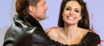 Помолодевшие Анджелина Джоли и Брэд Питт блистали на премьере совместного фильма