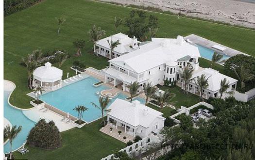 А это имение во Флориде - основное место жительства Селин Дион