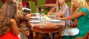 Украинские жены миллионеров пожалели учителей, пенсионеров и детей