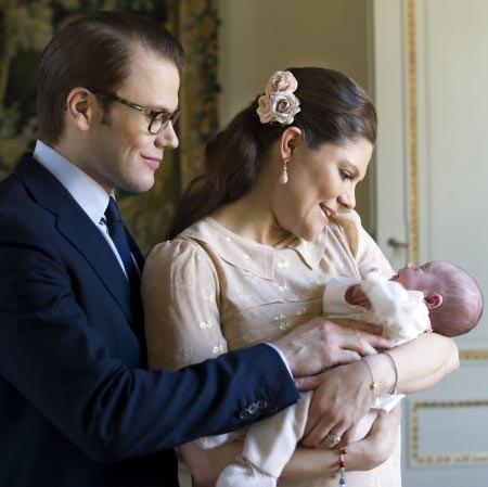 Принцесса Швеции Виктория, ее супруг и малышка