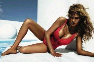 Кейт Аптон снялась в летней фотосессии для Vogue
