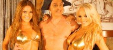 Дядя Жора и Бурым-Бурым попарились в бане с девочками