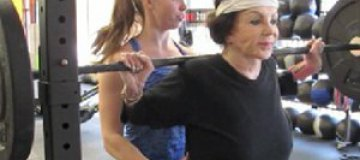 92-летняя мама Сталлоне занялась тяжелой атлетикой
