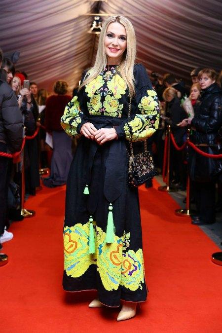 Ольга Сумская выбирает беспроигрышные платья-вышиванки