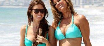 Одрина Пэтридж с матерью покорили пляж