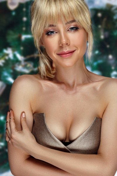 Тина Кароль планирует встретить Новый год на сцене