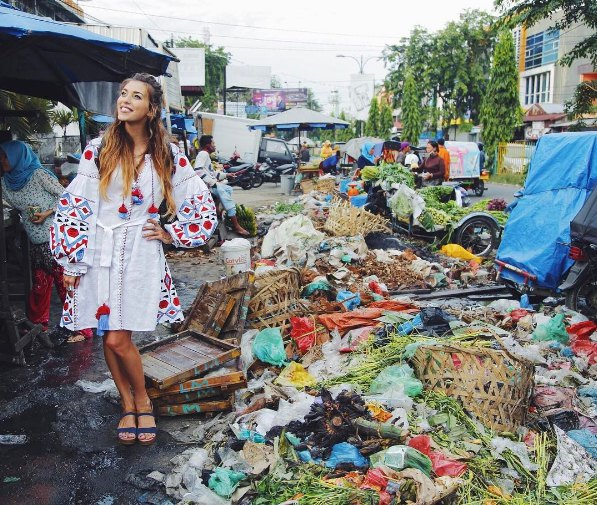 Регина Тодоренко в Индонезии