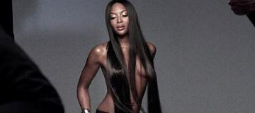 48-летняя Наоми Кэмпбелл снялась топлес для косметического бренда