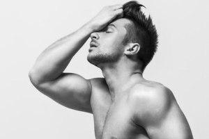 Лазарев показал голый зад ради рекламы нового сингла