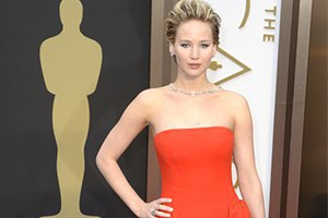 Дженнифер Лоуренс снова упала на Оскаре