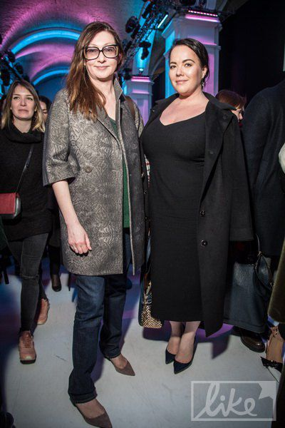 Оксана Караванская (слева)