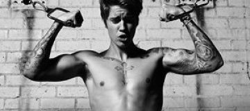 Джастин Бибер показал обнаженный торс в новой фотосессии