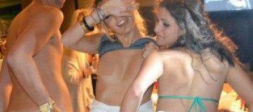 Любовница Катчера опубликовала интимные фото