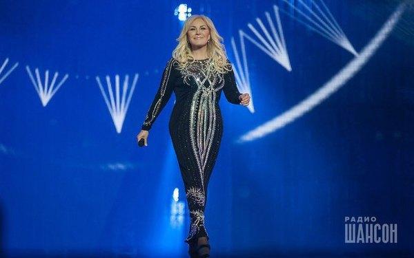 На сцене, правда, Повалий выглядела не такой уж похудевшей, как на съемках у Бадоева