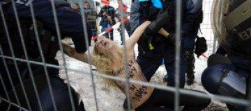"""FEMEN провели акцию """"Стоп давосский заговор!"""""""