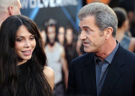Оксана утверждает, что Мел поднял руку на его сына