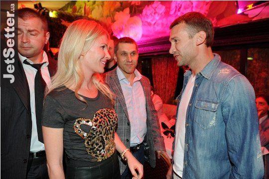 Анна Мартыненко и Андрей Шевченко на одной из киевских вечеринок