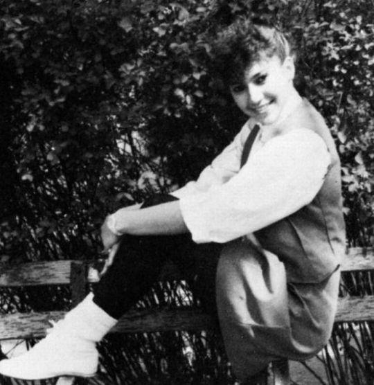Дженнифер Лопес. 1987 год