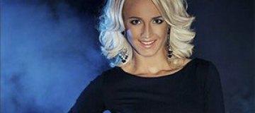 Ольга Бузова упала в оркестровую яму