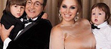Дмитрий Дибров в пятый раз стал отцом