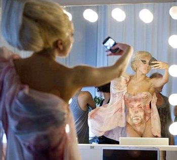 Леди Гага готовится к съемкам в ролике