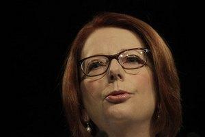 В премьер-министра Австралии метнули бутерброд