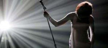 В Интернете появилось видео с последней песней Уитни Хьюстон