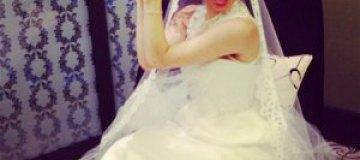 Сати Казанова неожиданно появилась в свадебном платье