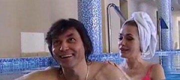 Борисюк предложил Сумской обвенчаться в бассейне