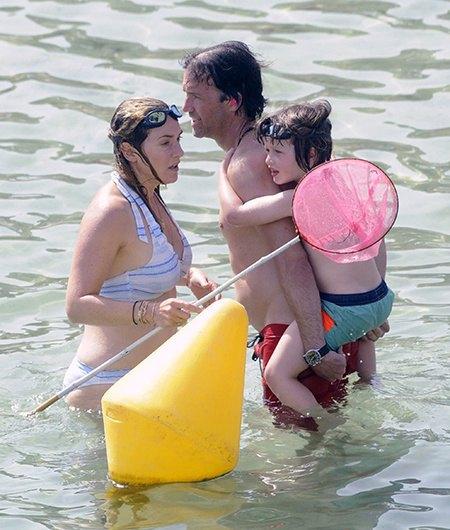 Кейт Уинслет с Нэдом Рокнроллом и сыном Беаром