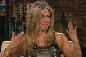 43-летняя Дженнифер Энистон расплакалась на ток-шоу