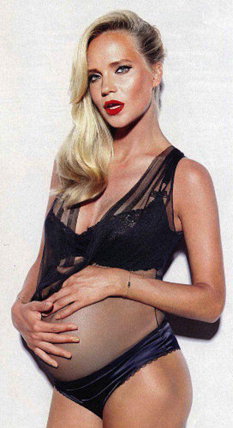 Наташе Ионовой тоже нравятся откровенные фотосессии во время беременности