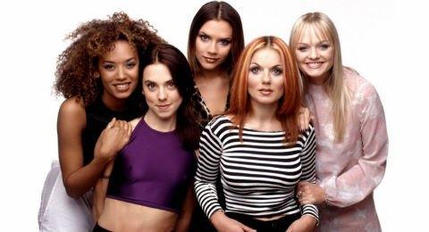 Мировое турне Spice Girls сорвалось из-за лесбийского скандала