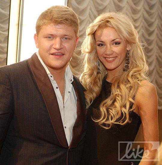 Алексей Кузнецов с девушкой